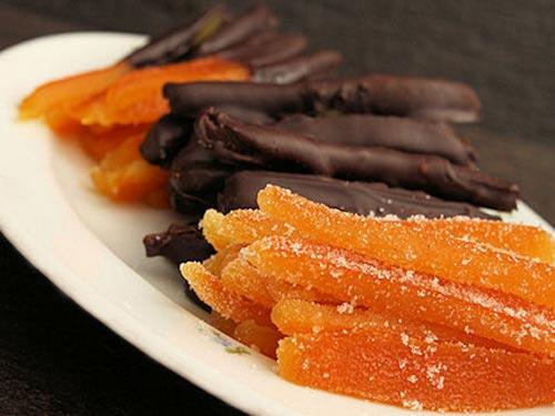 цукаты из апельсиновых корок и шоколада