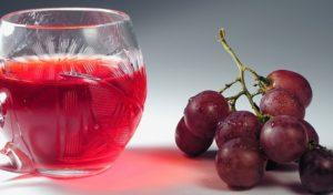vinogradnyj-kompot-iz-tselnyh-grozdev