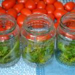 помидоры с чесноком в банке на зиму