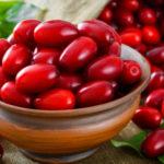 ягоды в миске